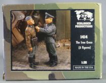 Verlinden Productions - 1414 WW2 German Iron Cross Tank 2 Resin Figures 1/35