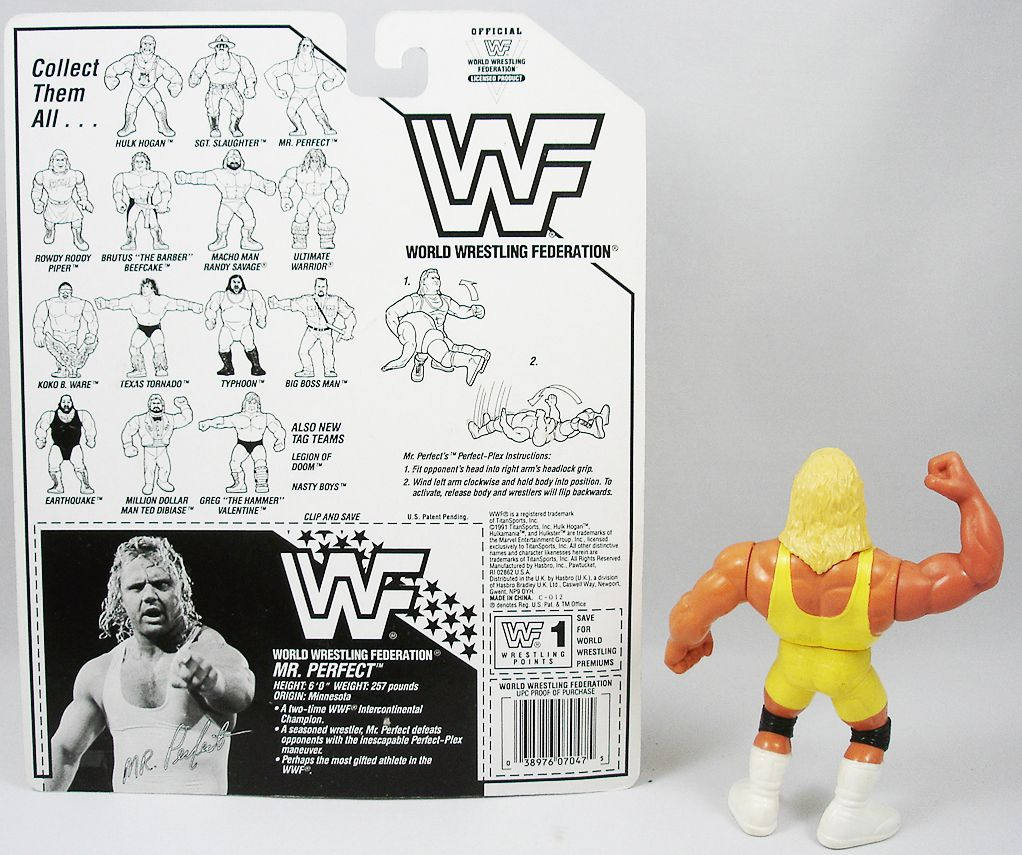 WWF Hasbro - Mr. Perfect v.1 (loose with USA cardback)