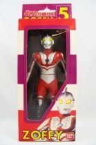 Zoffy - Bandai Ultraman Series n°5 01