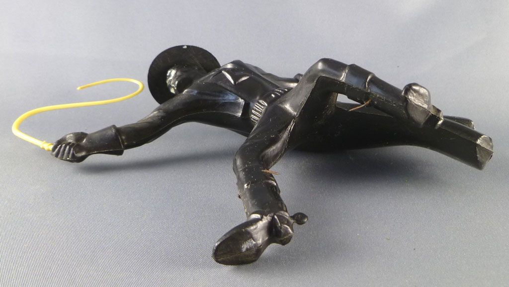 zorro___figurine_plastique_souffle___pieton_avec_fouet_5